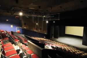 客席右から舞台